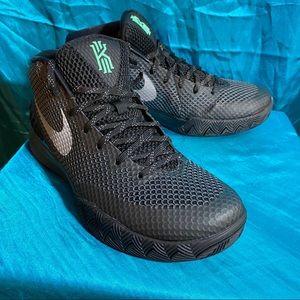 Nike Kyrie 1 Black/Green Driveway, Size 11